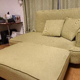ソファー2000円 かわいい緑色