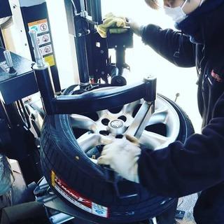 タイヤ交換作業、タイヤアドバイザー