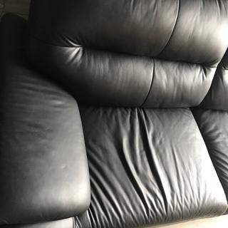 在庫セール!!【直接引取送料無料】2020年購入 美品 3人がけ 合皮ソファー 黒  - 家具