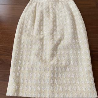 ツイードの膝丈スカート 美品