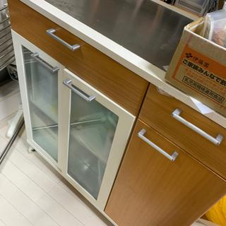 お値段交渉可能: キッチンカウンター、食器棚、