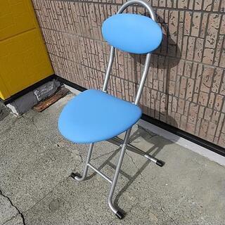 折り畳み パイプ椅子 青
