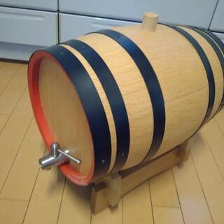 樽型のおしゃれなワインディスペンサー