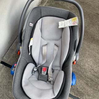 コンビチャイルドシート新生児から使えます