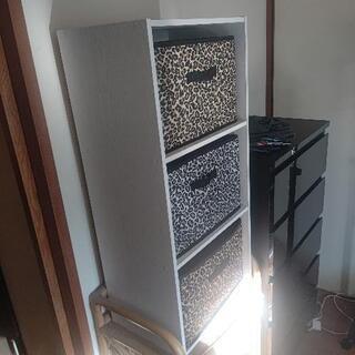美品 収納棚(白、外せる引き出し付き)