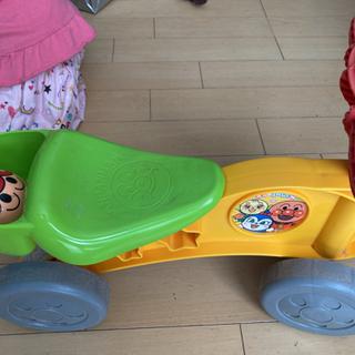 1〜3歳用アンパンマンの乗り物 - おもちゃ