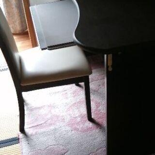 【ネット決済・配送可】パソコン机と椅子