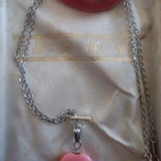 綺麗な石のネックレス☆