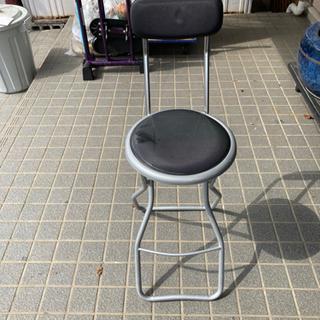 パイプ椅子  イス