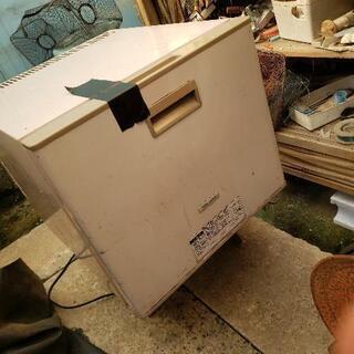 小型冷蔵庫(無料)