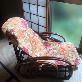 モダンな籐の椅子