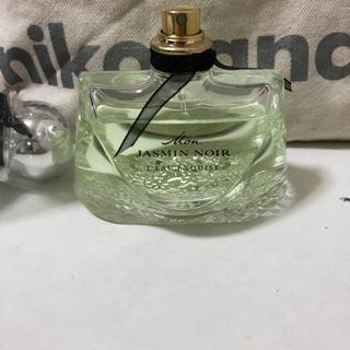 ジャスミン、DAISY、ヴェルサーチ香水