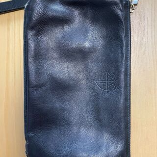 ★【AGILITY製】天然皮革の黒革のポーチ