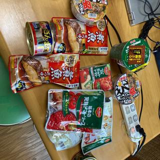 食品まとめて  缶詰め  カップ麺  トマト