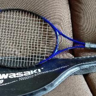 KAWASAKI  TH-300 テニスラケットを差し上げ…
