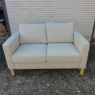 IKEA 二人掛けソファ