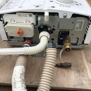 リンナイ・ユーティー(瞬間湯沸かし器) ホワイト RUSーV51XT〈WH〉 2017年製 - 家電