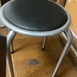 パイプ椅子です