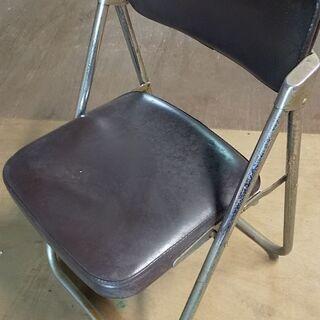 引取り日時限定!椅子(12個)を無料であげます。