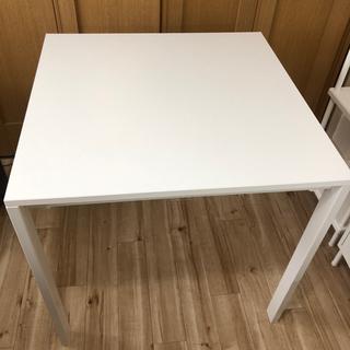 IKEA正方形ダイニングテーブル