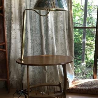 電球付きサイドテーブル
