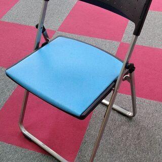折畳みパイプチェア(背樹脂、座ビニールレザー張り)
