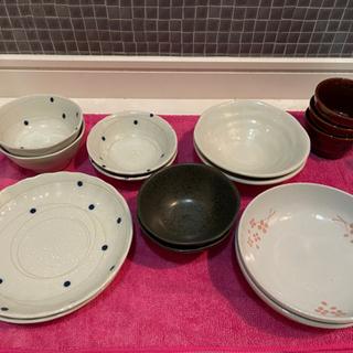 水玉の和食器セット 小鉢 和皿 新品 未使用品 全部で15…