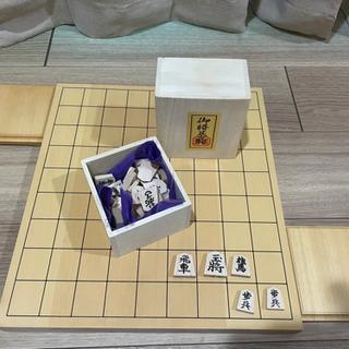 将棋セット 新桂1寸卓上将棋盤セット(将棋駒白椿上彫駒)