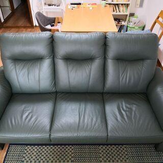【ネット決済】濃いグリーン色の3人掛牛革ソファー