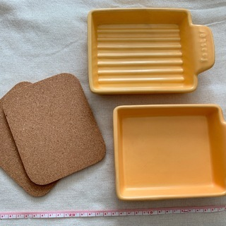 【取引中】オーブン皿 +コルク コースター(鍋敷)セット