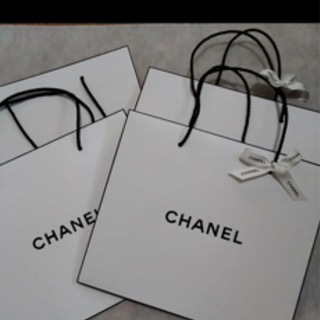 CHANEL ショップ袋 一枚100円で回収してます。