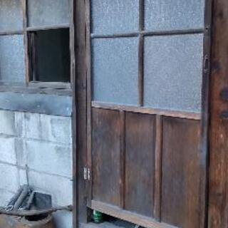築八十年の家 扉や窓買いませんか?