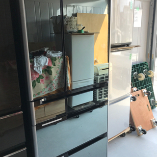 【直接引取送料無料日立  6ドア冷蔵庫 大容量670L R-M6...