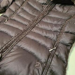 FJALLRAVEN ダウンジャケット Mサイズ - 服/ファッション