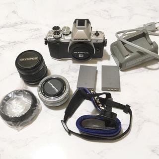 OLYMPUS E-M10 Mark II +単焦点レンズ