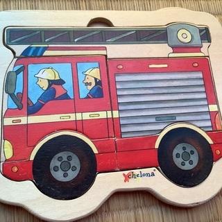 木のパズル 消防車 ファイヤートラック チェローナ社
