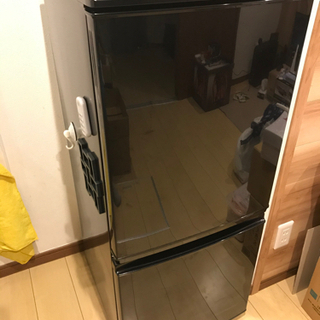 【美品】【無料】137LのSHARP 冷蔵庫 SJ-D14A-B