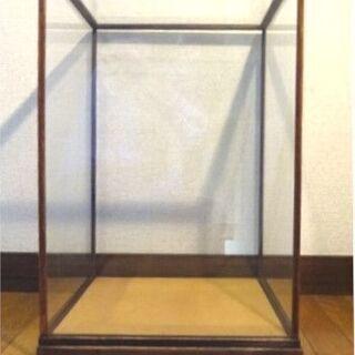 展示ガラスケース 木枠 高さ50㎝  縦横31㎝×35㎝