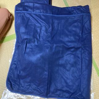あったか足ポケット付き敷毛布の画像