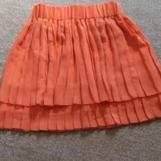 綺麗なオレンジのシホンスカート
