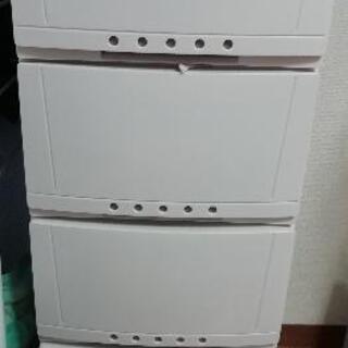 4段キャスター付きボックス ホワイト