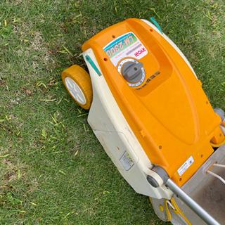 お取引き中!RYOBI電子芝刈り機 リール式 刈込幅230mm - 家具