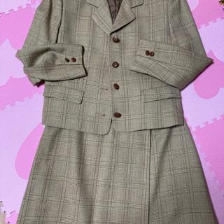 【ネット決済・配送可】アリスバーリーのスーツ