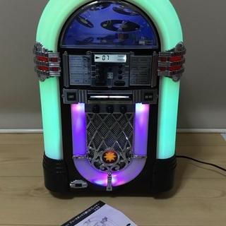 <動作>レトロ調・ジュークボックス型CDプレイヤー
