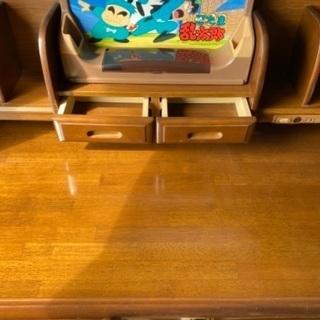 美品の学習机を無料。学習机 コクヨ製 1995年購入です、…