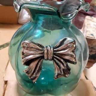 未使用品ガラス製花瓶。取りに来て頂ければ無料です。