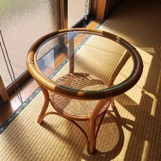 【決まりました】ガラステーブル丸