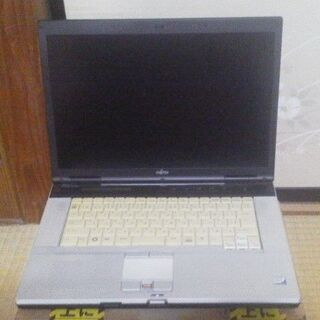 FUJITSU ノートパソコン FMV-E8250 15.4イン...