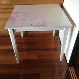 シンプルテーブル2