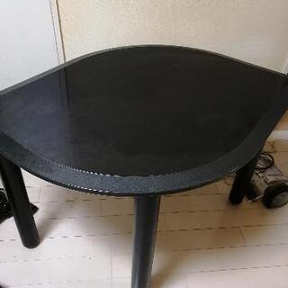 リーフ型テーブルもらってください!